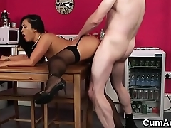 Naughty bombshell gets cumshot on her face eating all the jizm