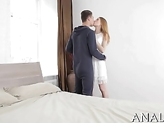Teen sex taut pussy