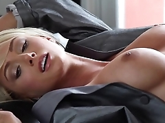 Playmate Xtra Sara Jean Underwood 1