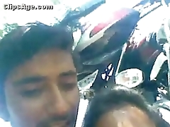 Indian Young Desi guy exposing his girlfriends chest and molesting her nicely at outdoor - Wowmoybac