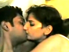 Indian Young Hot Flick Of Indian Couple Having Oral Sex - Wowmoyback