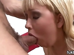 Wicked sex kitten gapes her kitty and loves hardcore sex