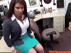 Bigtit milf pawns the brush pussy for cash