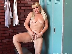 Shy old spunker plays with say no to juicy pussy for you