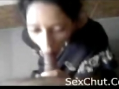Wife Giving Blowjob(SexChut.Com)